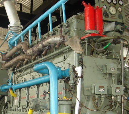 Vận hành máy phát điện trên tàu thủy