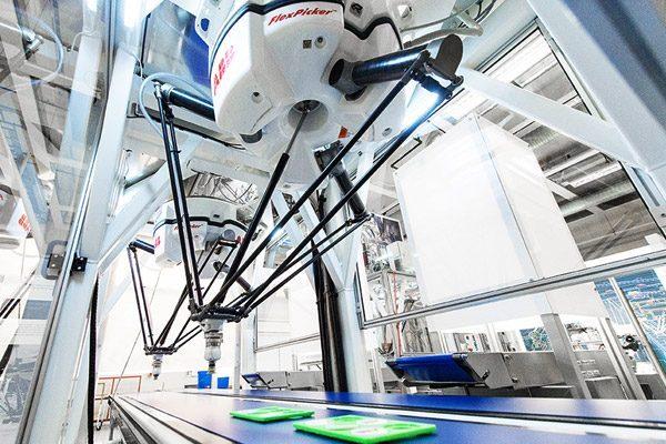 Robot ABB gắp nhả và đóng gói sản phẩm